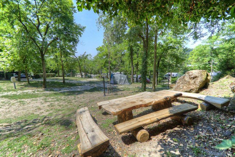 Airstream Park Rom mit Picknickplatz