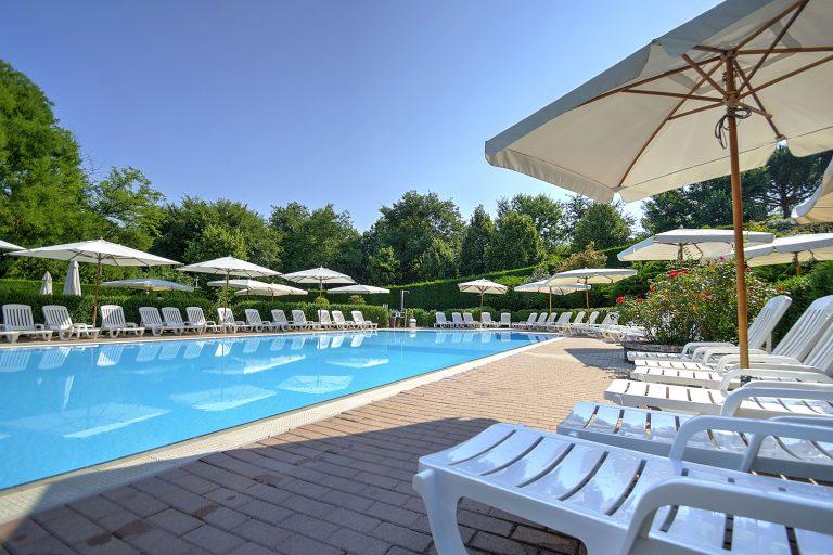 rome glamping pool