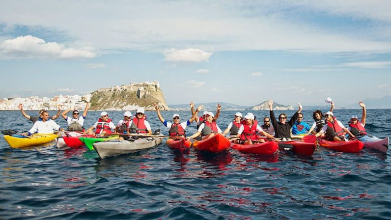 procida in kayak promoted by italy airstream park