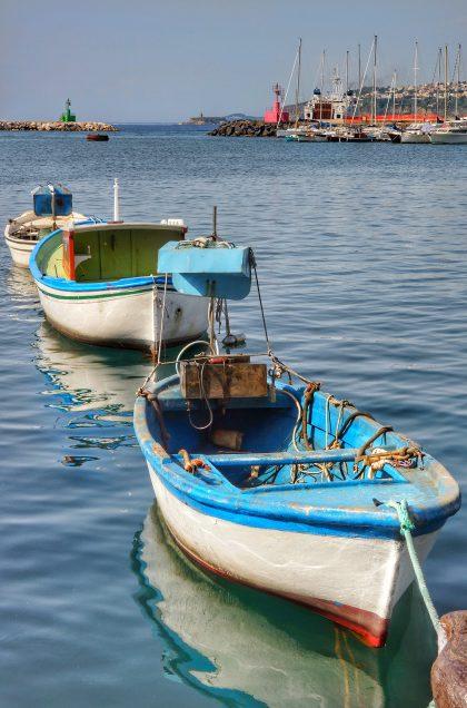 Barche porto di Procida - ItalyAirstream Park Procida