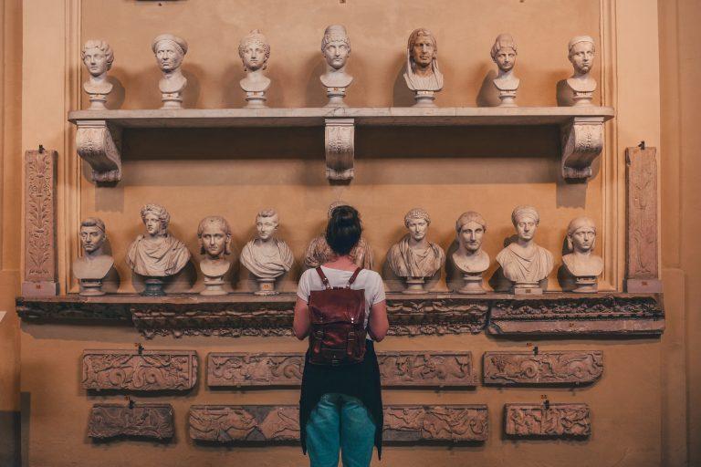 Statue ai musei capitolini vicino a ItalyAirstream Park di Roma